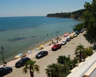 Hotel Achillion - Methoni - Beach