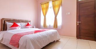 OYO 2456 Purnama House Kuta - Kuta - Bedroom