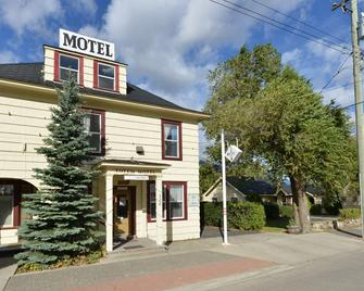 Totem Motel - Lytton - Edificio