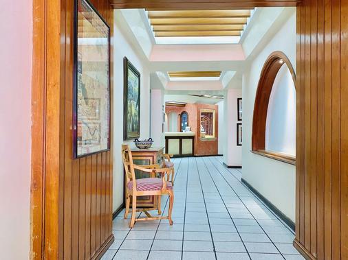 Gala Oaxaca - Oaxaca - Hallway