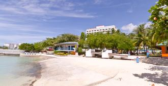 EGI Resort and Hotel - Lapu-Lapu City - Außenansicht