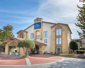 Baymont Inn & Suites Marietta/Atlanta North - Marietta - Building