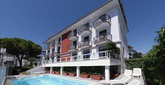Villa d'Este - Grado - Edificio