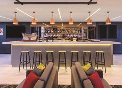 Travelodge Hotel Sydney Airport - Sydney - Bar