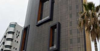 Lancaster Hotel Raouche - Beirut - Toà nhà