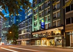 Days Inn by Wyndham Vancouver Downtown - Vancouver - Building