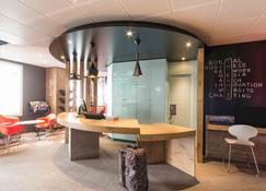 Ibis La Rochelle Centre Historique - La Rochelle - Front desk