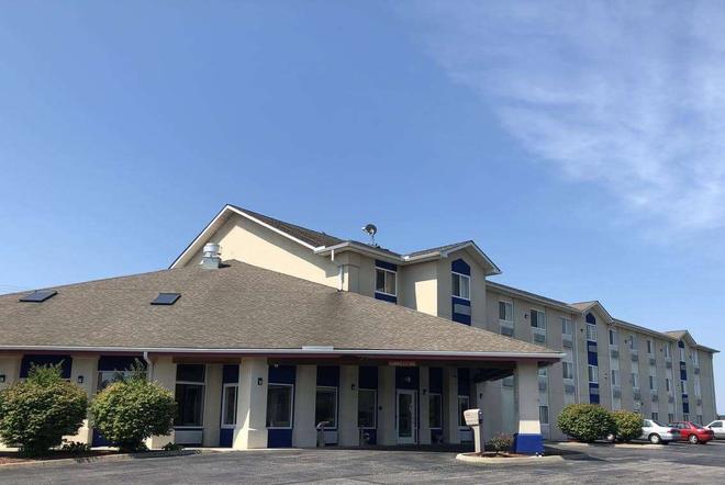 Days Inn by Wyndham Batavia Ohio - Batavia - Building