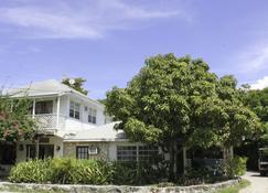 Tingum Village Hotel - Dunmore Town - Toà nhà