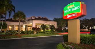Courtyard by Marriott Fort Myers Cape Coral - Fort Myers - Building