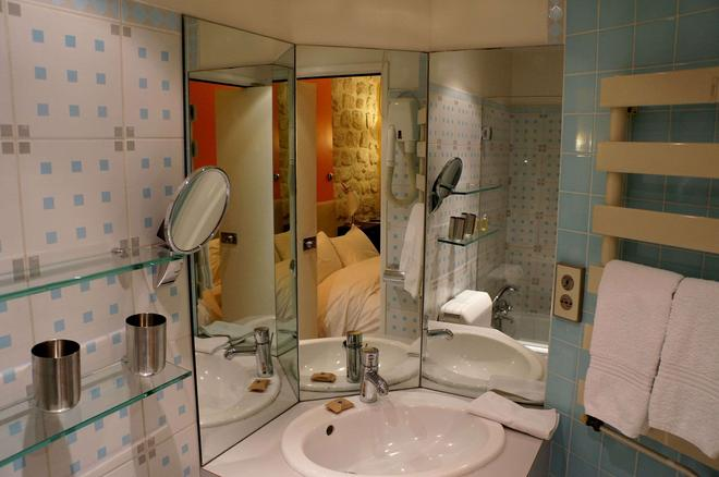 Hotel Danemark - Paris - Bathroom