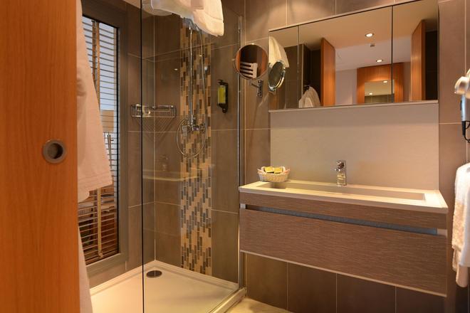 Hôtel Dolce Vita - Ajaccio - Bathroom