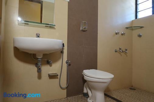 Hotel Celi - Calangute - Bathroom