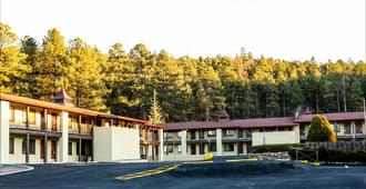 Red Roof Inn Plus+ Williams - Grand Canyon - Williams - Toà nhà