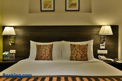 The Fern Residency - Vadodara - Bedroom