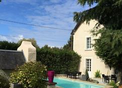 Les Colonnes De Chanteloup - Amboise - Pool