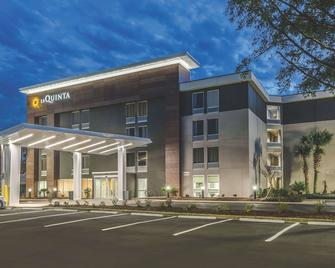 La Quinta Inn & Suites by Wyndham Myrtle Beach - N Kings Hwy - Myrtle Beach - Building