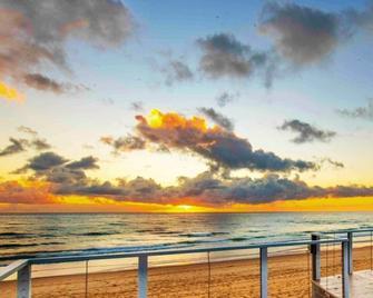 Don Pancho by the Beach - Bargara - Venkovní prostory