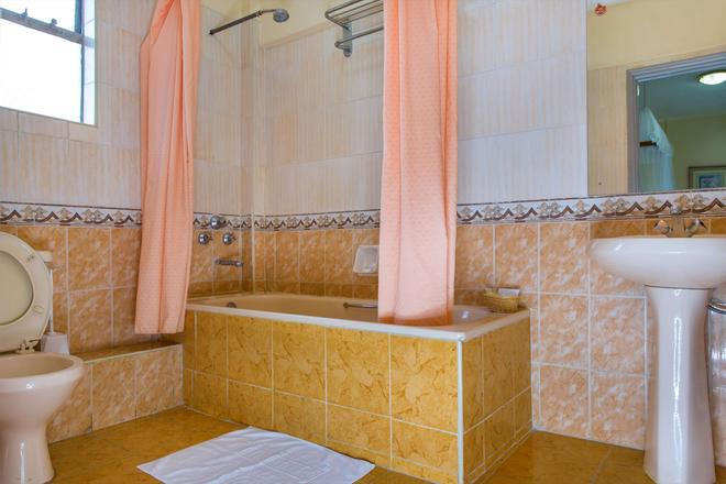 Sportsview Hotel Kasarani - Nairobi - Bathroom