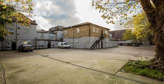 Newham Hotel Limited - London - Building