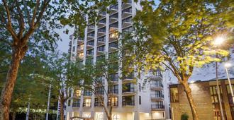 Parkside Hotel & Apartments Auckland - Auckland - Building