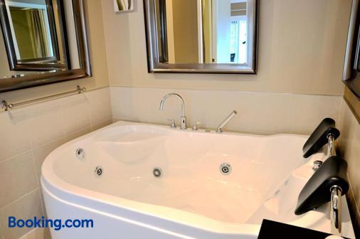 塞德雷斯汽車旅館 - 社布魯克 - 謝布克 - 浴室