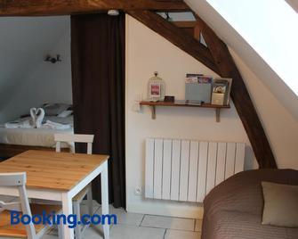 Gîte à l'Ombre Des Chênes - Saint-Aignan - Bedroom