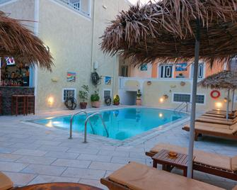 Sellada Apartments - Kamari - Pool