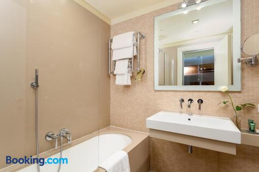 弗洛倫斯諾沃利希爾頓花園酒店 - 佛羅倫斯 - 佛羅倫斯 - 浴室