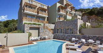 Mystery Skiathos Luxury Residence - Skiathos - Pool
