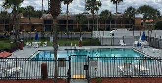Days Inn by Wyndham St. Augustine West - St. Augustine - Pool