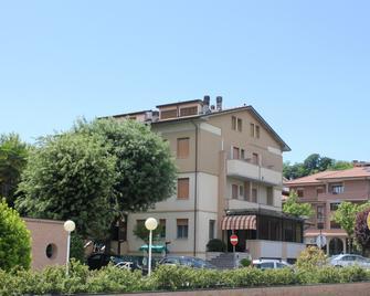 Hotel Pierina - Castrocaro Terme - Gebouw