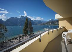 Hotel Residence Torbole - Torbole - Balkon
