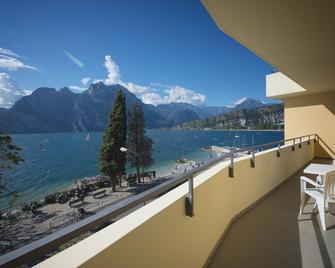 Hotel Residence Torbole - Torbole - Balcony