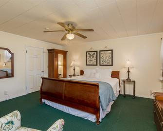Cherokee Lodge - Coronado - Bedroom