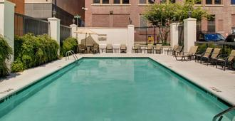 SpringHill Suites by Marriott Memphis Downtown - Memphis - Pool