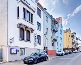 Hotel Garni Cornelia - Bad Nauheim - Building