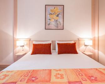 Hôtel Le Bois Dormant - Champagnole - Bedroom