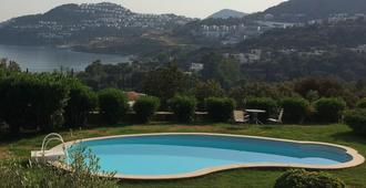 A lovely 3 bedroom house: A/C, wi-fi, 2 pools, roof terrace, balcony & sea view - Bodrum