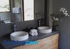 Ju'Blu Hotel - Buleleng - Phòng tắm