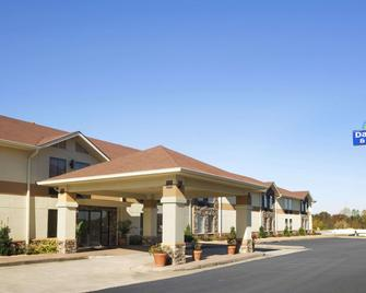 Days Inn & Suites by Wyndham Commerce - Commerce - Building