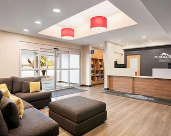 Microtel Inn & Suites by Wyndham Val-d Or - Val-d'Or - Receptie