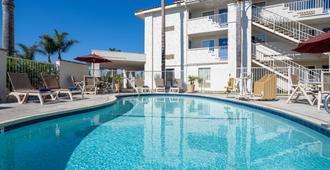 Motel 6 Ventura South - Ventura - Pool