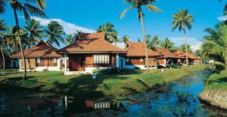 Kumarakom Lake Resort - Kumarakom - Κτίριο