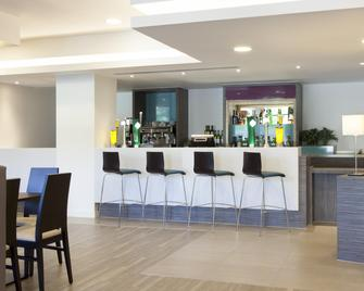 Holiday Inn Express Middlesbrough - Centre Square - Мідлсбро - Bar