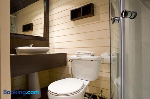 Inrawadee Resort - Pattaya - Bathroom