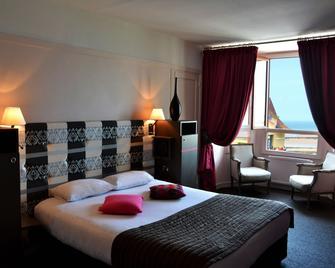 Hotel Des Bains - Granville - Bedroom