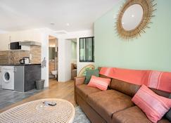 Suites Gaya Confort - Centre Ville - Montpellier - Sala de estar