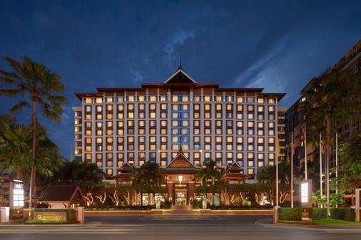 Shangri-La Hotel, Chiang Mai - Chiang Mai - Building