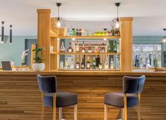 Best Western Plus Hotel Hyeres Cote D'azur, Hyeres - הייר - בר